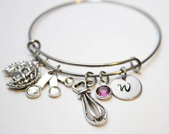 baker bracelet, baker theme bracelet, personalized baker bracelet, baker theme gift, gift for baker, baker charm bracelet, baker bangle