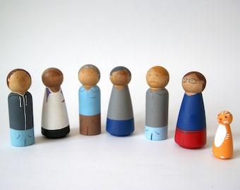 Peg doll, family of 7, peg people, Christmas Gift, peg dolls, peg doll family, custom peg dolls, wooden peg dolls, wooden toy, toddler gift