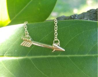 Arrow pendant, gold arrow pendant, minimalist pendant