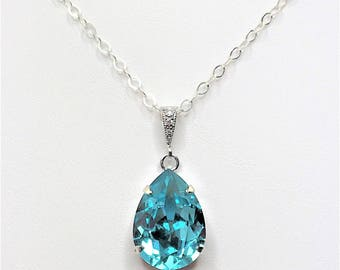 Turquoise Crystal Pendant Green Swarovski Bridal Gift Green Sparkly Necklace Blue Green Bridal Necklace Bridesmaid Gift Mother of the Bride