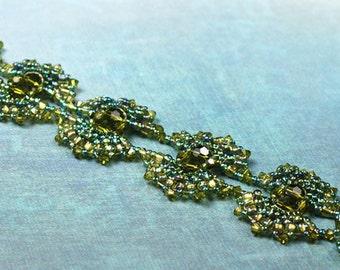 Beadwoven Bracelet - Green Bracelet - Merrow Bracelet - Beadwork Bracelet - Green Swarovski Bracelet