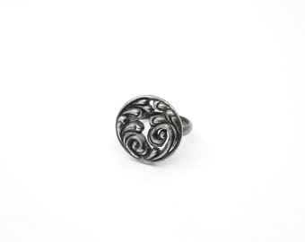 """Swirls Pattern """"New Baroque"""" ring - polished and oxidized sterling silver"""