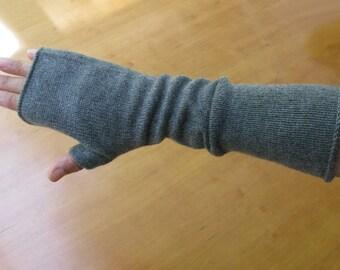 4ply 50/ 50% Cashmere Silk Fingerless Gloves