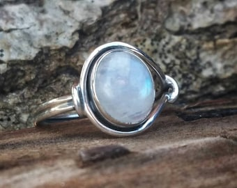 Ring oval moonstone, solid silver 925, several sizes