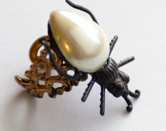 Beetle Ring, Insect Jewelry, Beetle Jewelry, Bug Lover Bug Ring, Entomology, Statement ring, Creepy Crawly, Pearl Ring, Cocktail Ring, SRAJD