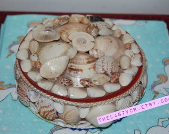 Vintage seashell box 1970s?