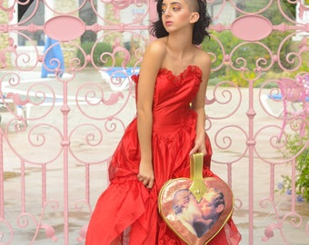 red 1980s sweetheart prom dress with tulle skirt & bows