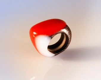 Handcrafted wood ring, resin and wood jewel, unique gift for women, Nature ring, statement wood ring, scuplture jewel, wearable art
