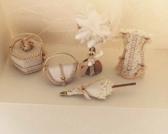 1-12th Scale miniature accessory set.