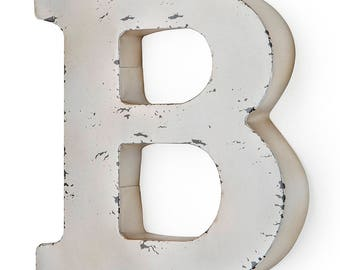 Antique ivory-colored metal letter B 30X5X30 cm