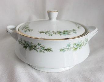 Creative Manor Japan Garlands of Glory Covered Vegetable Dish Serving Dish