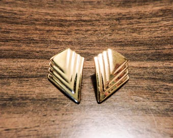 Vintage pair of gold tone post chevron earrings