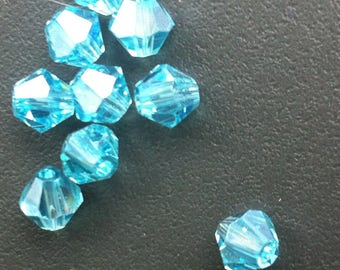 set of 9 beads bicone Crystal 6mm light blue