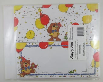 Stationery Set Suzys Zoo Decorative Paper 10 Sheets with Matching Envelopes for Writing, Printer, Craft, Birthday, Party, Letters, 8.5 X 11""