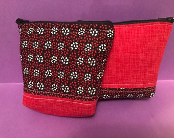 Essential oils protection pouch holds 4 bottles/rollers this listing is for the man fabric as the pattern