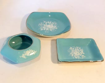 Royal Winton Grimwades set of 3 trinket dishes in turquoise with white floral design – original from the 1960s