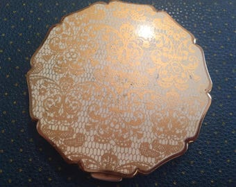 Ladies vintage  powder compact by stratton