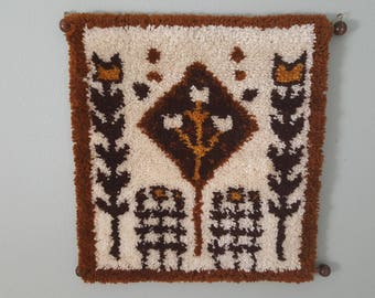 Aztec  vintage Latch Hook Wall Hanging, 1970s