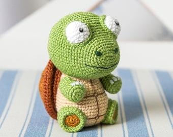 "Crochet Pattern of Turtle Gina from ""AradiyaToys Design"" (Amigurumi tutorial PDF file)"