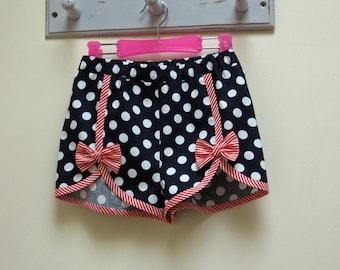 GIRLS SHORTS! Cute shorts sewing pattern, GIDGET shorts  kids shorts pattern to fit girls 2 to 14 years, toddler to teens shorts pattern