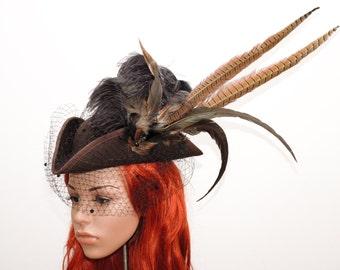 Steampunk Hat // Fascinator // Hütchen mit Federschmuck // Damenhut mit Schleier und Fasanenfedern // Perückenhut Gothic Cotoure