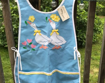 Monogrammed smock apron with pockets