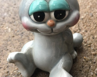 vintage cat figurine Erika japan smile kitty sitting gray cat big eyes ceramic