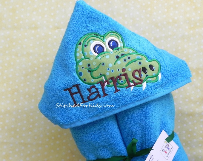Personalized Hooded Towel with Alligator, Alligator Towel, Gator Gift