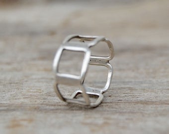 Mod 60s Sterling Band Ring . Vintage . Band . Unique Ring . Pretty . Squares
