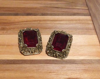 Tara Red Clip Earrings