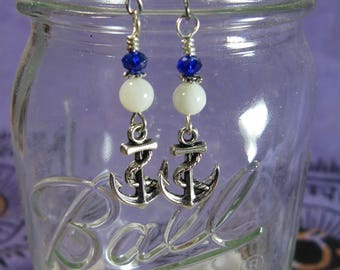 Mother of Pearl Anchor Earrings, Nautical Earrings, Anchor Jewelry, Shell Earrings