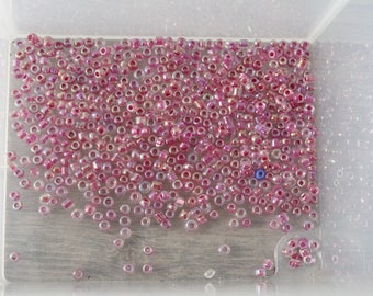 8g of fuchsia pink seed beads