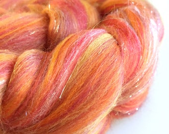 "Combed tops roving for spinning custom blend, Merino Bamboo Silk, Game of Thrones inspired ""Lannister Gold"" 100g"