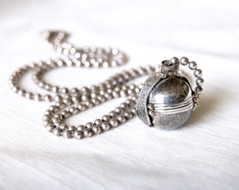 Sterling Silver Ball Locket Vintage Mexican 6 Photo Folding Multi Photo Pendant Round Globe on 30 inch Ball Chain