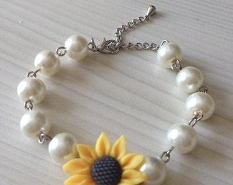 Sale, Pearl bracelet with sunflower, sunflower pearl bracelet, bridal bracelet, bridesmaids jewelry, bridal under 25
