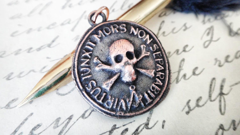 Jolly roger skull wax seal pendant latin motto memento zoom aloadofball Gallery