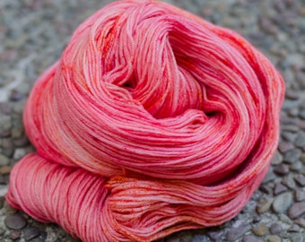 Studio Outtakes: Linda - merino wool sock yarn