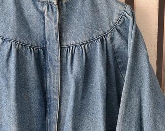 M Casual Club der 1980er Jahre Damen Jeans Jacke Medium Stonewashed Denim Dolman Batwing Ärmel ziemlich Shirring Detail Standup Cafe Racer Kragen APV