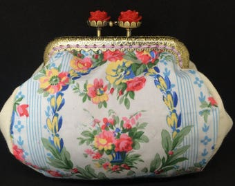 Victorian purse with clasp