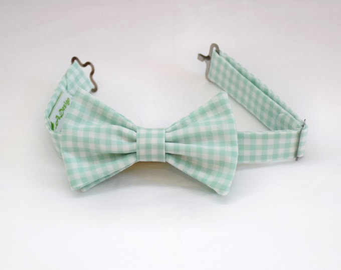Boy's pre-tied Bow Tie, mint & white gingham, father/son matching ties, wedding accessory, toddler bow tie, ring bearer bow tie, Easter tie