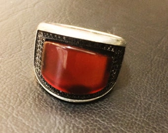 925 Sterling silver size 7.5 with beautiful Agate and Topaz