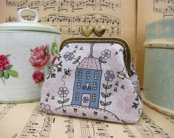 Coin purse clutch with house and tree , vintage kiss lock purse