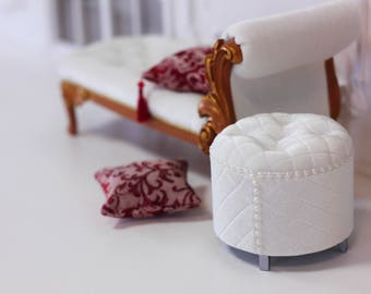 """Сream cheese"""" Ottoman chair for Blythe Momoko Barbie FR and other 1 / 6 doll"""