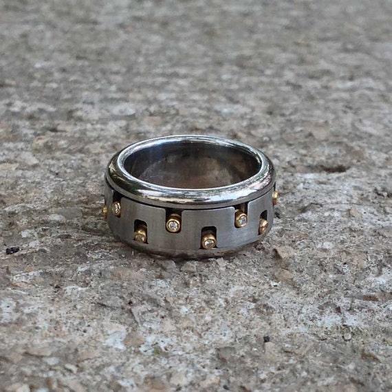 mens unique ring men 39 s diamond spinner ring mixed metal. Black Bedroom Furniture Sets. Home Design Ideas