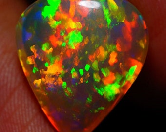 6.68 cts – Best Of Breed Full Color Spectrum Broad Flash Welo Opal With Video!