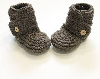 FREE SHIPPING! Baby booties, crochet baby boots, taupe with wood buttons