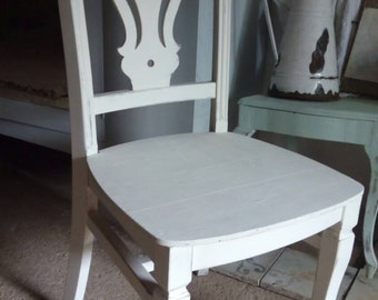PICKLED WHITE CHAIR
