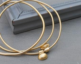 Gold Bangle bracelet, bangle gold stacking bracelet set, Minimalist bangle bracelet set of 3, 18k gold stacking bangle, best selling jewelry