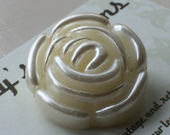 Vintage Buttons - white cream plastic