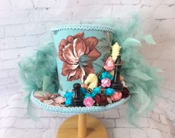 Mother Day gift,Alice in Wonderland Mini Top Hat,   Tea  Party Hat , Mini Top Hat Fascinator , Mini Hat Headband,Mad Tea Party hat